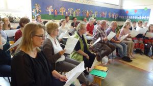 Reading-Session durch 5 Jahrzehnte Chorarchiv